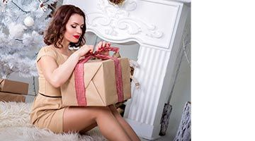 Santa comes bearing gifts with two-way limousine transfer, a welcome hamper and daily surprises for up to 12 days of Christmas!