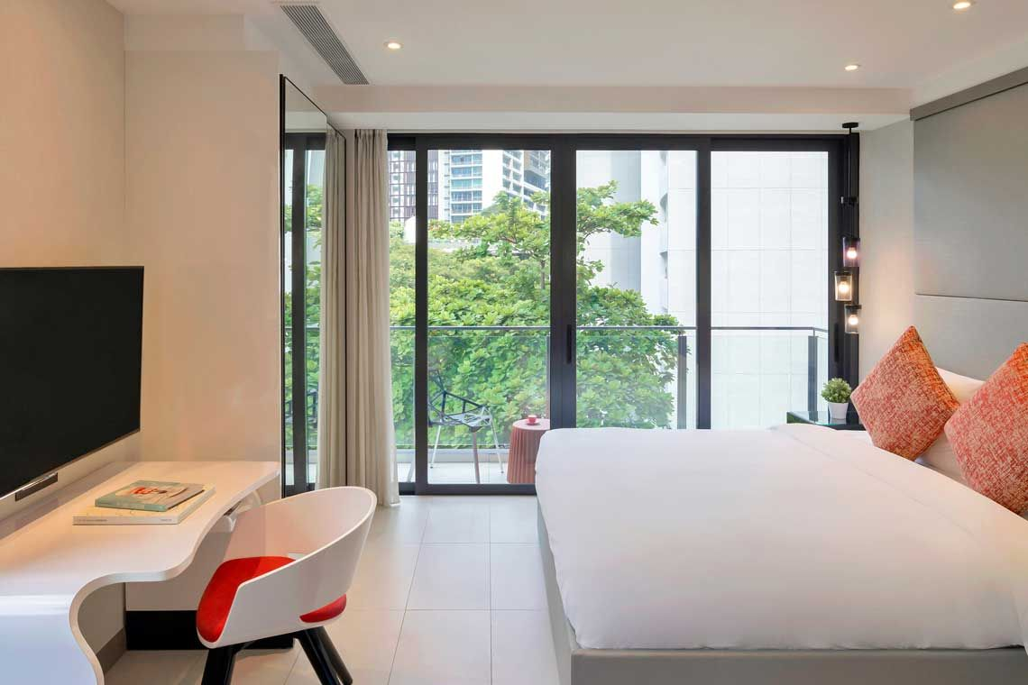 Oakwood Studios Singapore's studio apartment's bedroom