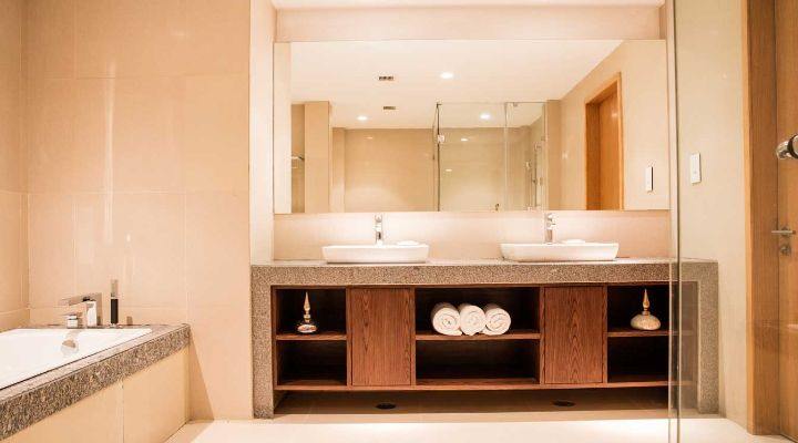 Oakwood Residence Kapil Hyderabad one-bedroom executive apartment's washroom