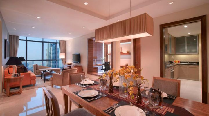 Oakwood Premier Cozmo Jakarta three-bedroom deluxe apartment's living room