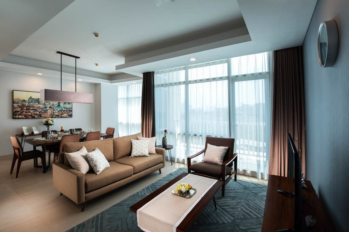 Oakwood Suites La Maison Jakarta three-bedroom execlusive apartment's living room