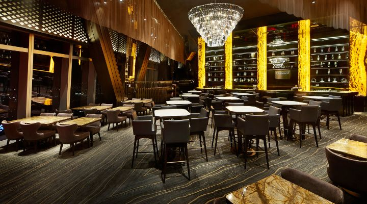 Oakwood Premier Incheon Panoramic 65 bar and dining room