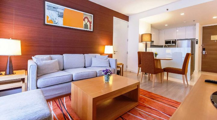 Oakwood Residence Sukhumvit 24, Bangkok's one-bedroom superior apartment
