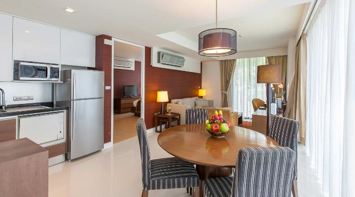 Oakwood Residence Sukhumvit 24, Bangkok's two-bedroom deluxe apartment