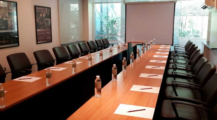 Oakwood Residence Sukhumvit 24, Bangkok's meeting room