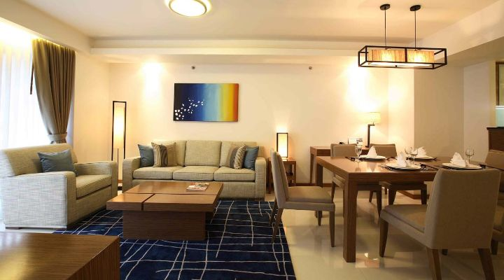 -bedroom apartment's dining areaOakwood Residence Sukhumvit Thonglor, Bangkok's two-bedroom apartment's dining area