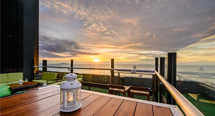 Atara Sky Bar & Bistro is serving you a magnificent sunset view over the Gulf Of Siam