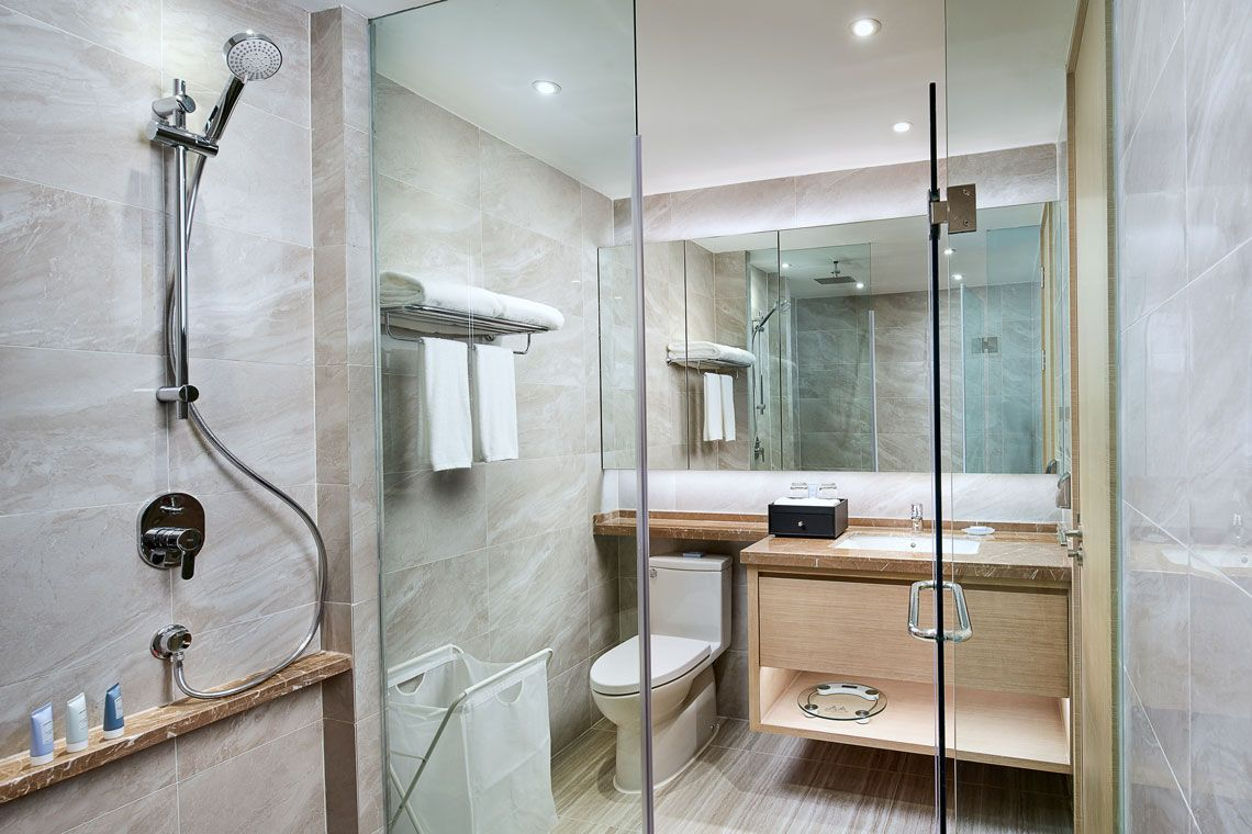 Oakwood Apartments Yangzhou's two-bedroom apartment bathroom