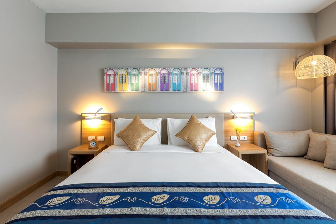 Oakwood Hotel Journeyhub Phuket's junior suite