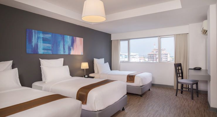 Oakwood Hotel Journeyhub Pattaya's family suite beds