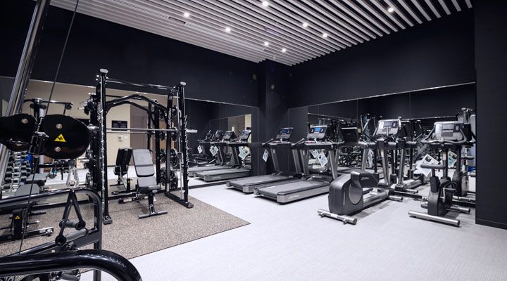 Oakwood Hotel & Apartments Shin-Osaka's gym