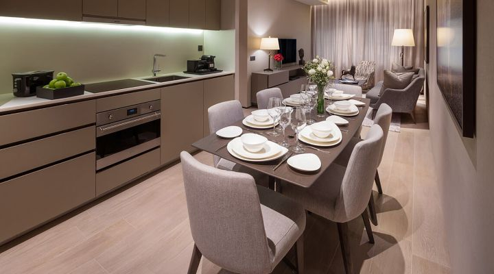 Oakwood Premier OUE Singapore's two-bedroom apartment's dining hall
